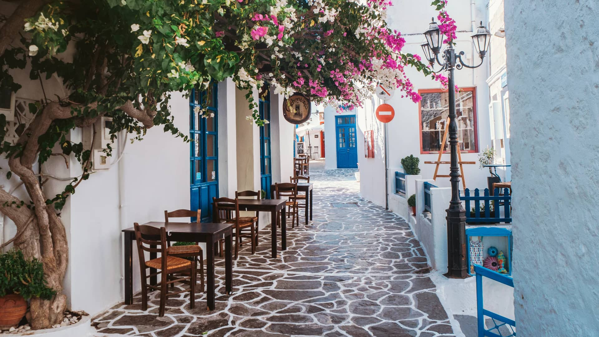 Typical alley in Plaka, the main town of Milos